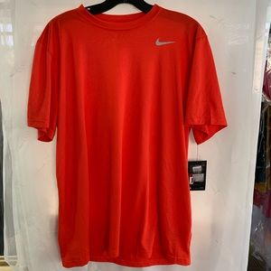 Nike NWT t-shirt dry-fit large coral